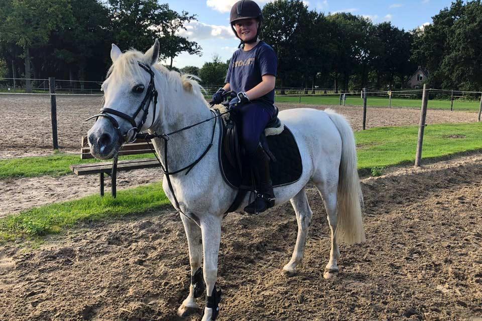 lid-2019-Jessie-Visser-pony-Isabel-CT-02_PonyClub-Meppel